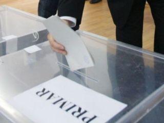 Iniţiativa legislativă privind alegerea primarilor în două tururi, respinsă