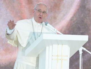 Papa Francisc: România e Grădina Maicii Domnului, o mamă care cultivă visurile fiilor
