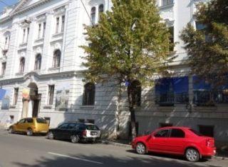 Secția Împrumut Carte pentru Adulți a Bibliotecii Județene, deschisă publicului și sâmbăta