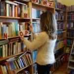 Cărțile pentru elevii din județ ajung la cei cărora le sunt destinate