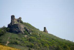 Restaurarea cetăţilor Şoimoş şi Şiria, în impas. CJ Arad caută proiectanți