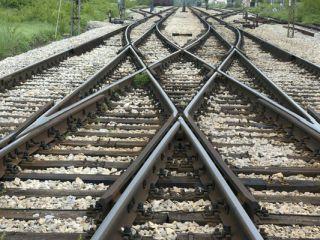 Trafic feroviar întrerupt la Milova, din cauza unei șine deformate