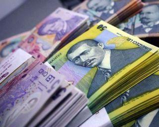 """Guvernul introduce """"taxa de lăcomie"""". Băncile, taxate în funcţie de nivelul Robor"""
