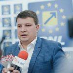 "Bogdan Boca: ""Fifor a venit cu avionul militar la conferința de presă de la Arad"""