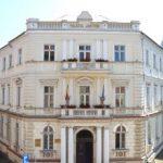 Povestea Palatului Justiției din Arad, inclusă într-un album bilingv