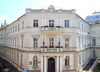 Programul cu publicul la Tribunalul Arad, în vacanța de iarnă