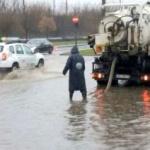 UPDATE Străzi închise în Arad din cauza ploilor abundente