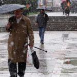 Informare meteo: Precipitaţii sub formă de ninsoare, lapoviţă şi ploaie