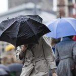Meteorologii anunță precipitaţii, polei şi vânt în toată ţara
