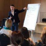 Atelier de voce, dicție și oratorie cu Andrei Țigănaș, la Biblioteca Județeană