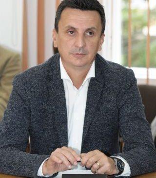 """Florin Tripa: """"Cerem conducerii CJA să demareze de urgență lucrări de reparații la drumul Arad – Șiria"""""""