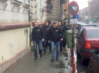 Bătaie într-un bar din Arad. Doi agenți de pază, reținuți
