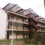 Se construiesc încă două blocuri pe strada Tarafului