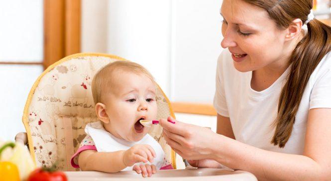 Top 5 sfaturi utile pentru mămici despre diversificarea alimentară la bebeluși
