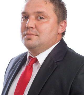 """Adrian Butunoi: """"Consiliul Județean Arad își bate joc de cadrele didactice"""""""