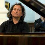 """Aradul găzduiește primul concert din turneul național extraordinar """"Pianul Călător"""""""