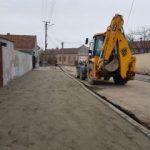 Lucrări de întreținere și reparații la mai multe drumuri din municipiul Arad