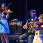 Emy Drăgoi și fiicele sale, la Târgul de Primăvară