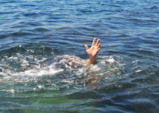 Un tânăr s-a răsturnat cu caiacul în râul Mureș