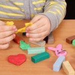 Ministrul Muncii a anunțat cu cât se vor mări alocațiile copiilor