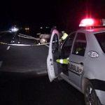 Tânăr beat şi fără permis aflat la volan, oprit cu focuri de armă de poliţişti
