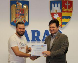 Arădeanul care a parcurs Camino de Santiago pentru copiii din Arad, premiat