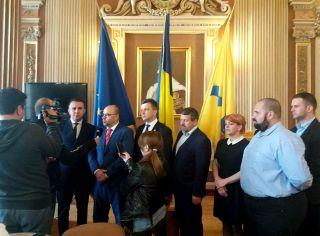 Adrian Todor: La comanda lui Gheorghe Falcă, PNL şi UDMR adâncesc criza gunoaielor