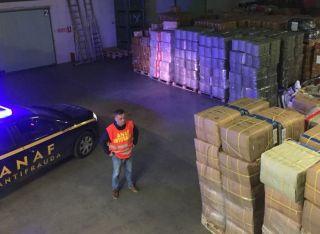 Articole vestimentare, confiscate de inspectorii antifraudă