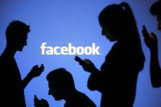 Psiholog: Cum ne ferim de pericolele de pe Facebook?