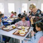 """O masă caldă, zilnic, pentru elevii Școlii gimnaziale """"Ilarion Felea"""""""