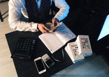 Descoperă TOP 5 factori de DECIZIE când alegi agenția de PARIURI online