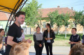 Actorul Zoltan Lovas, în vizită la Liceul Tehnologic Vinga