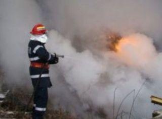 Incendiu la o casă din Arad. O femeie de 84 de ani a murit