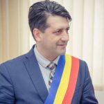 Provocare. Primarul din Pecica, invitat să candideze la Primăria Arad
