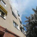 UPDATE Incendiu într-un bloc din Arad. O persoană a murit, 9 locatari au fost evacuați