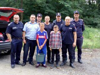 Doi copii s-au rătăcit într-o pădure din județul Arad