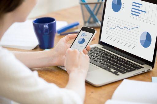 Cum te pot ajuta serviciile de contabilitate online să creezi un sistem de raportare optim