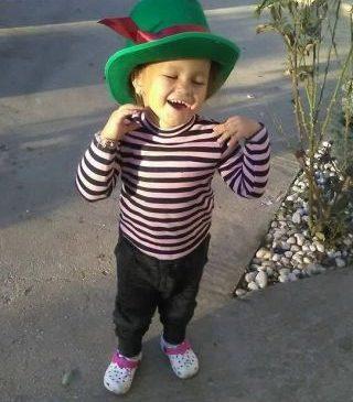 Donează pentru Adelina! Drama unei fetiţe de 4 ani care trăieşte în întuneric