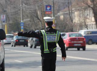 Polițist local din Arad, călcat cu mașina de un tânăr recalcitrant