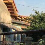 Muncitori răniţi după ce acoperişul casei la care lucrau s-a prăbuşit