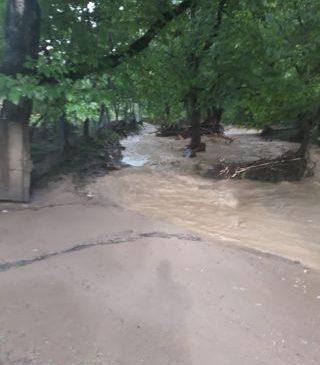 Comuna Brazii este afectată de inundaţii