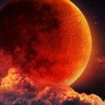 """Fenomene astronomice simultane: Planeta Marte şi Luna """"sângerie"""""""