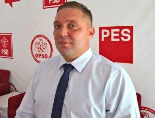 """Adrian Butunoi: """"CJA cheltuie 9 milioane de lei pe serbări câmpenești, în loc să dea bani pentru sănătate sau drumuri"""""""
