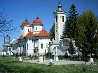 Pelerinaj la Mănăstirea Hodoș-Bodrog, cu deţinutele din Penitenciarul Arad