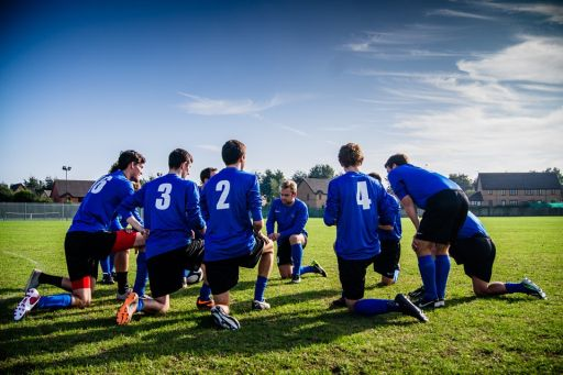 Cumpără echipament profesionist chiar dacă practici fotbalul la nivel de amator