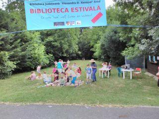 """""""Biblioteca estivală"""" s-a deschis la Ștrandul Neptun"""
