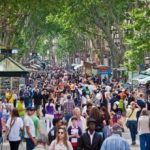 Evoluția turiştilor români: De la mâncare la pachet, la vacanţe all inclusive rafinate