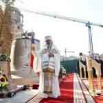 Cele şase clopote ale Catedrelei Mântuirii Neamului, sfinţite de Patriarhul Daniel
