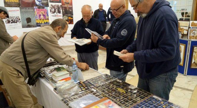 Colecționari din trei județe au expus la Arad