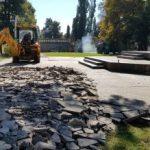 """Modernizare în Parcul """"Mihai Eminescu"""". Se refac aleile și spațiul verde"""